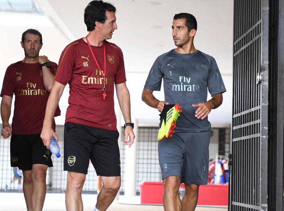 Henrikh Mkhitaryan says can't wait to play with Borussia band at Arsenal