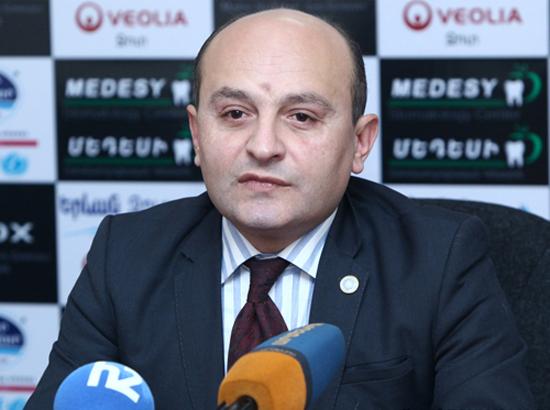 Аналитик: В Вопросе карабахского урегулирования позиции премьера и первого президента Армении не могут быть созвучными